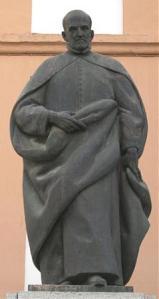 gongora estatua