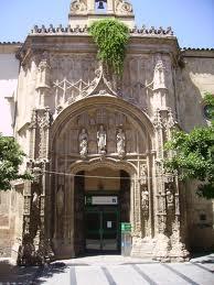 Entrada a la antigua capilla del Hospital de San Sebastián, hoy Punto de Información Turística.