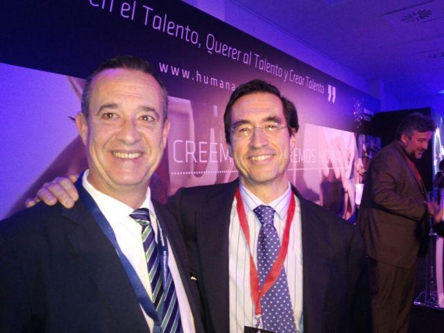 CON MARIO ALONSO PUIG EN LA PRESENTACIÓN DE HUMAN AGE INSTITUTE (SEVILLA)